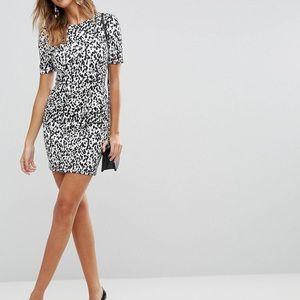Mini wiggle dress with pockets